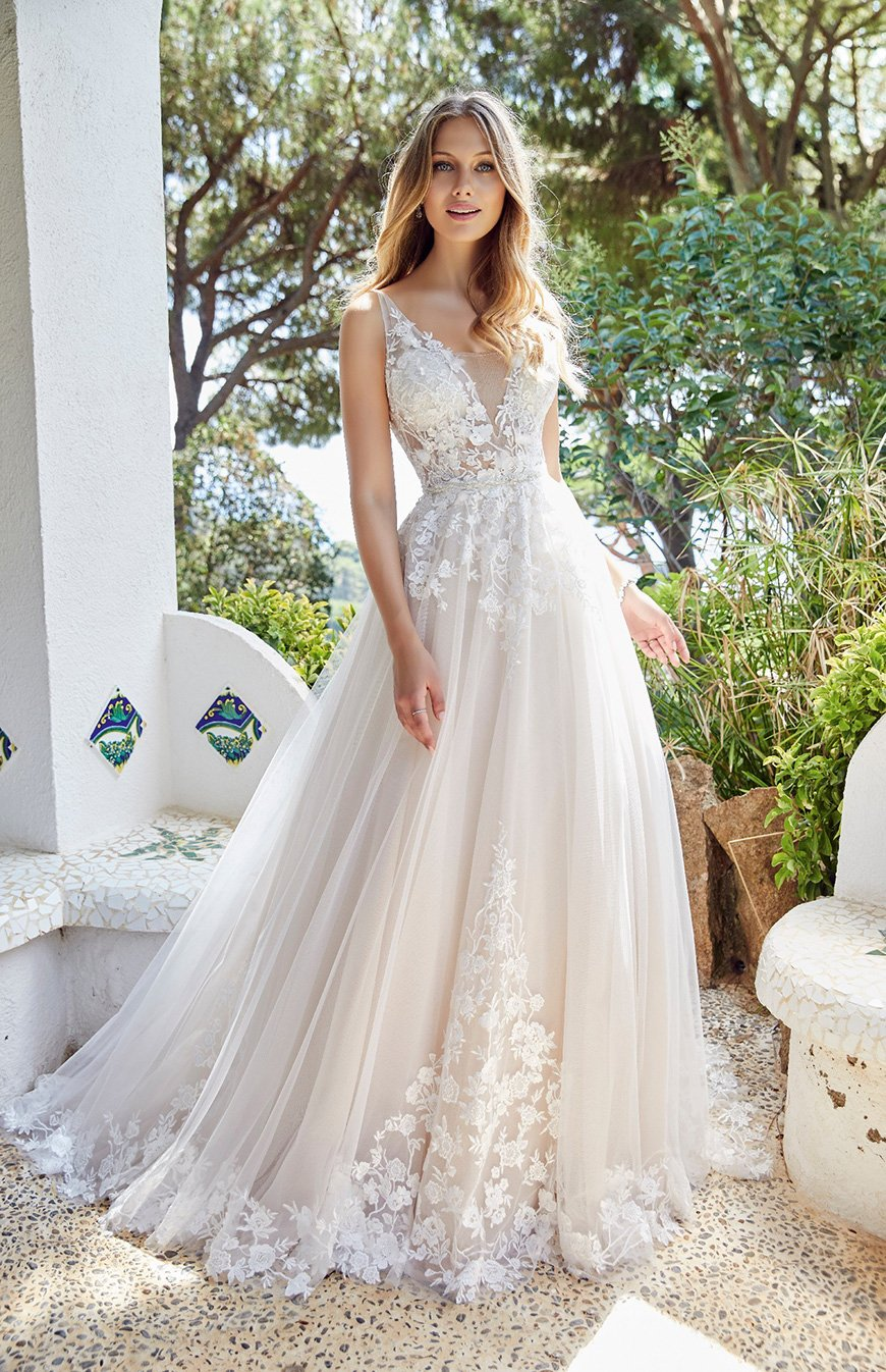 2020 Wedding Dresses Trends - Ethereal lace | CHWV