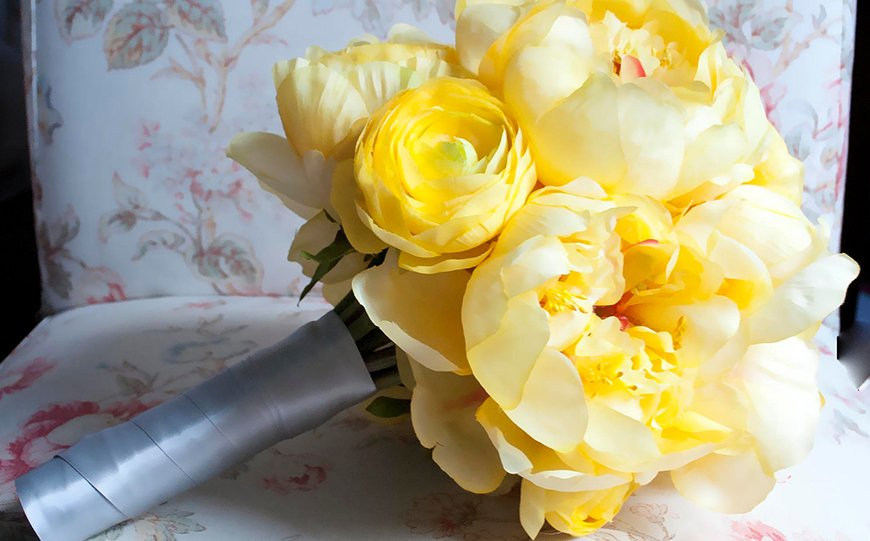 Wedding Ideas By Colour: Lemon Yellow Wedding Ideas - Flowers | CHWV