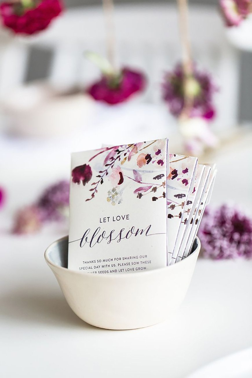 Wedding Ideas By Colour: Purple Wedding Decorations - A little gift | CHWV