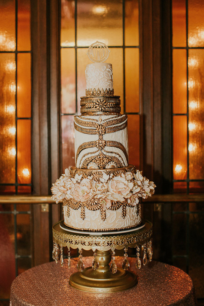 Our Venue Specialist's Perfect Wedding At Davenport House - The cake | CHWV