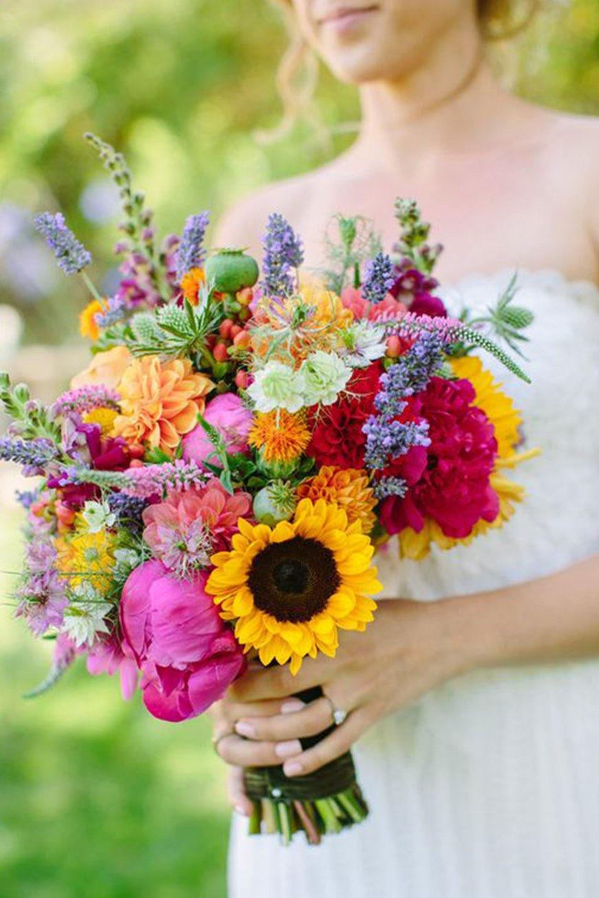 Wedding Ideas By Colour: Bright Wedding Flowers - Beautiful bouquets | CHWV