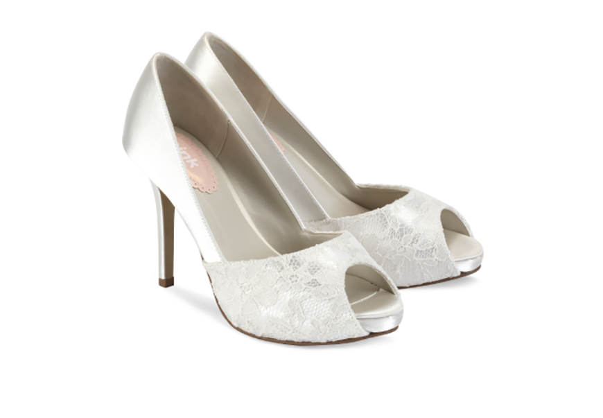 6 Questions to Ask When Choosing Your Wedding Shoes | CHWV
