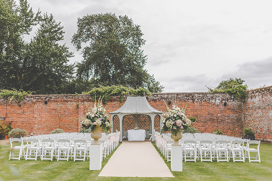 12 Outside Wedding Venues To Fall In Love With - Braxted Park | CHWV