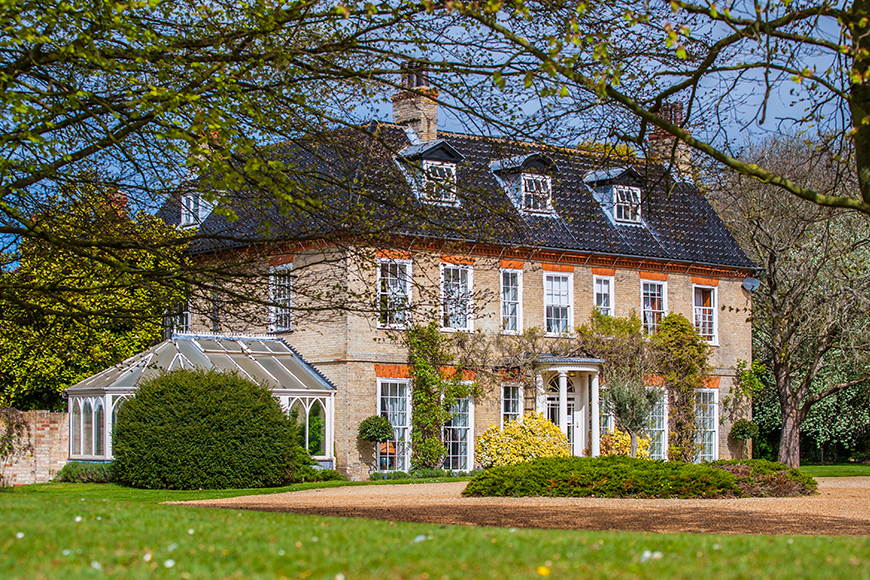 11 Irresistible Intimate Wedding Venues - Sedgeford Hall | CHWV