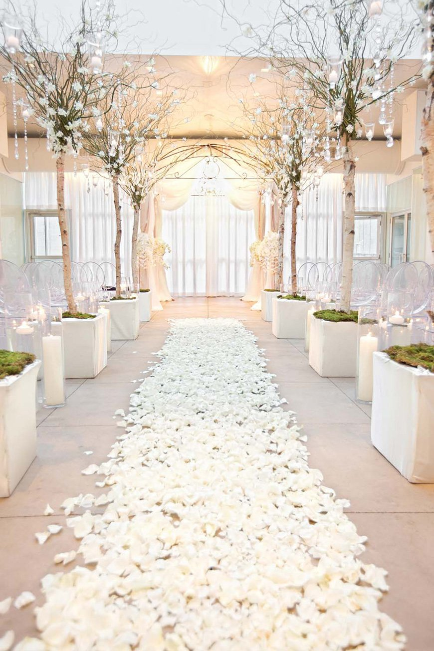 White wedding theme wedding ideas by colour chwv wedding ideas by colour white wedding theme chwv junglespirit Choice Image