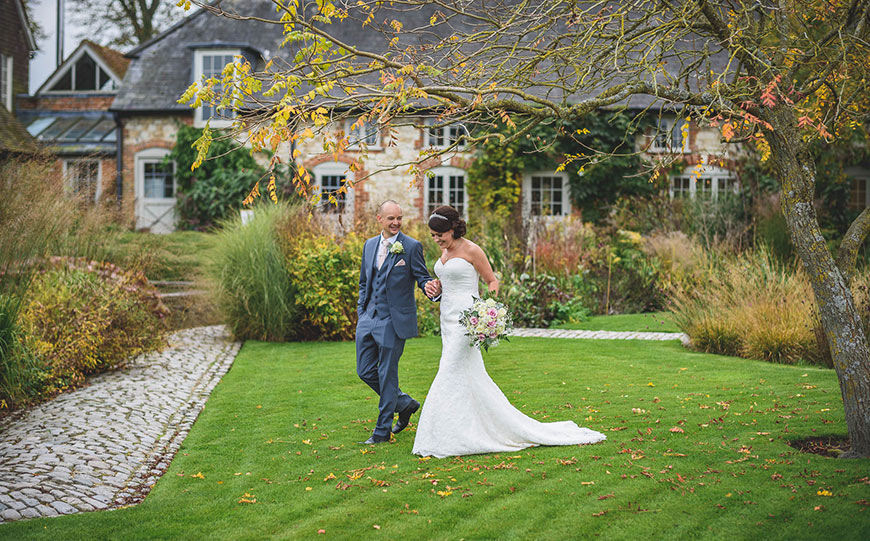What To Look For In An Autumn Wedding Venue - Bury Court Barn | CHWV