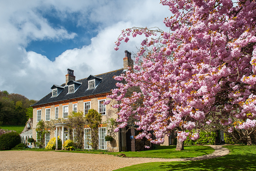 6 Incredible Norfolk Wedding Venues - Sedgeford Hall | CHWV