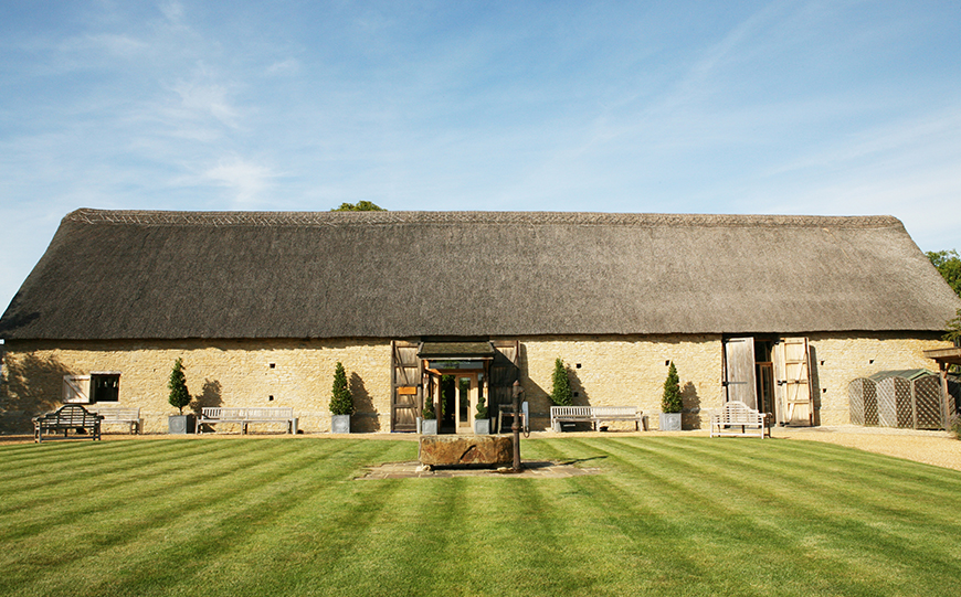 8 Oxfordshire Wedding Venues You Won't Want To Miss - The Tythe Barn   CHWV