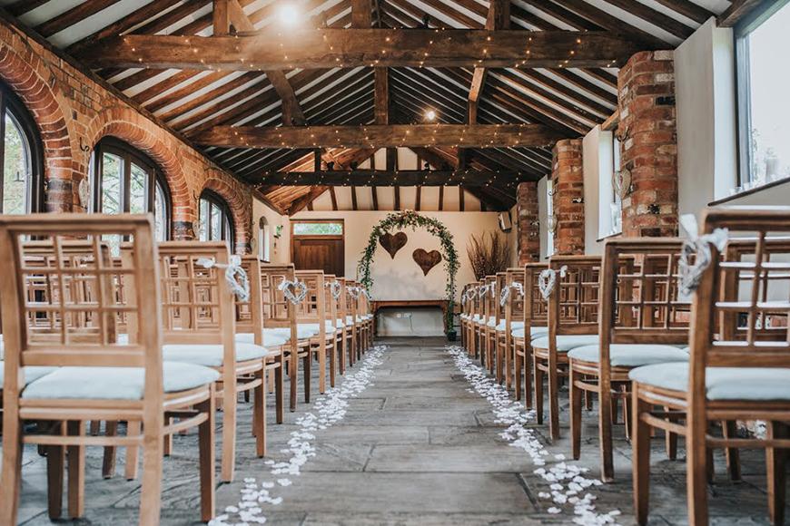 8 Wonderful Wedding Venues In Warwickshire - Dodmoor House | CHWV