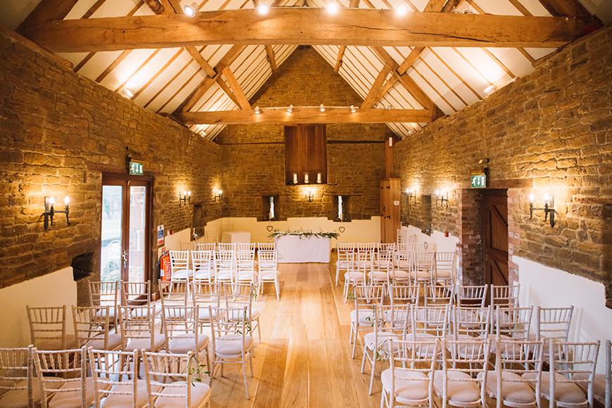 8 Wonderful Wedding Venues In Warwickshire - Crockwell Farm | CHWV