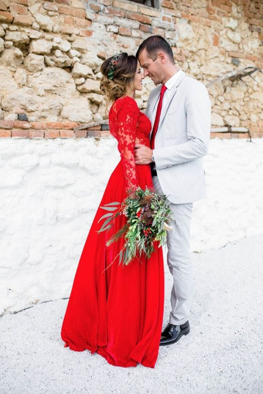 Wedding Ideas By Pantone Colour: Cherry Tomato - Outfits | CHWV