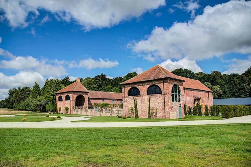 5 East Midlands Wedding Venues To Fall In Love With - Hazel Gap Barn | CHWV