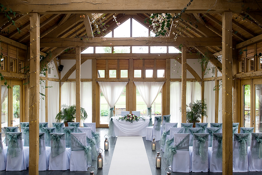 8 North West Wedding Venues You Have To See - The Oak Tree of Peover | CHWV