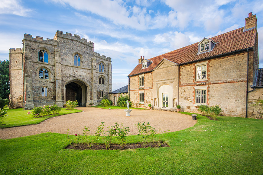 The Best Cambridgeshire Wedding Venues - Pentney Abbey | CHWV