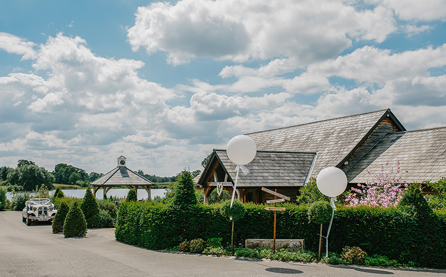 Unique Wedding Venues To Make Your Day Extra Memorable - Sandhole Oak Barn | CHWV