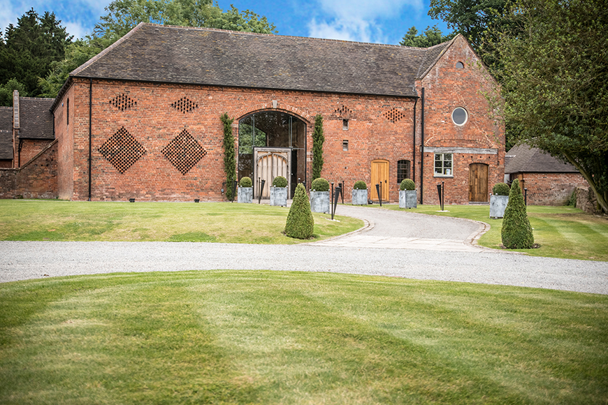 11 Barn Wedding Venues For An Autumn Wedding - Shustoke Farm Barns | CHWV