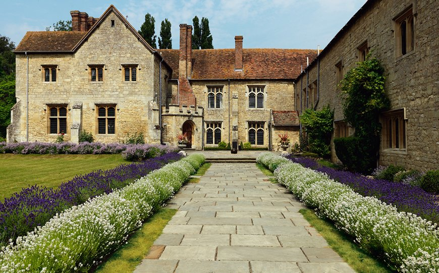 11 Country House Wedding Venues In The South East - Notley Abbey | CHWV