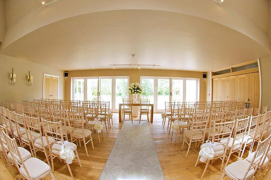 8 Wonderful Wedding Venues In Warwickshire - Hyde House and Barn | CHWV