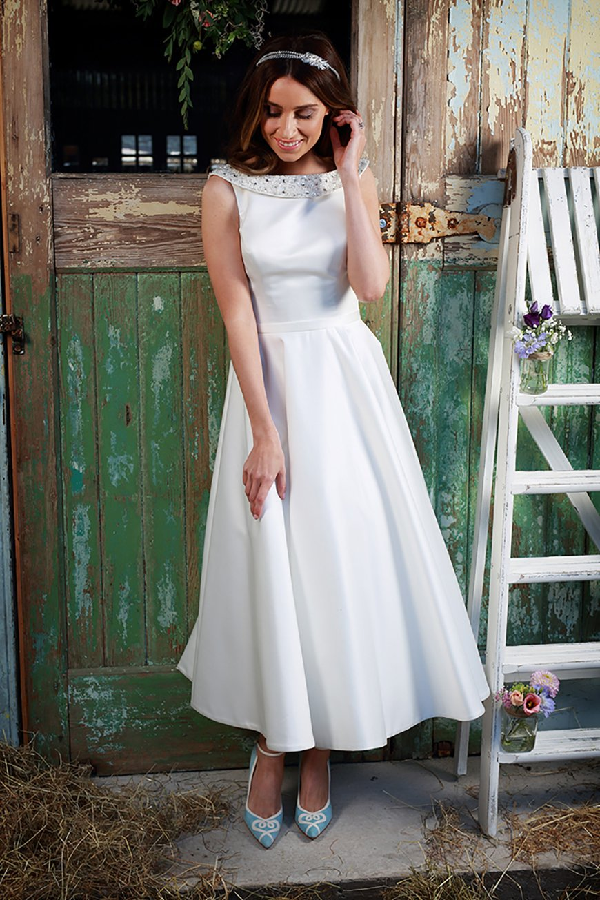 A Closer Look At Amanda Wyatt Wedding Dresses - Aria | CHWV