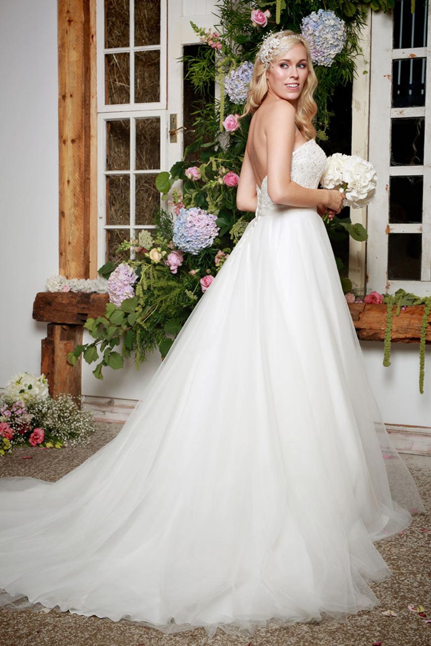 A Closer Look At Amanda Wyatt Wedding Dresses - Indra | CHWV
