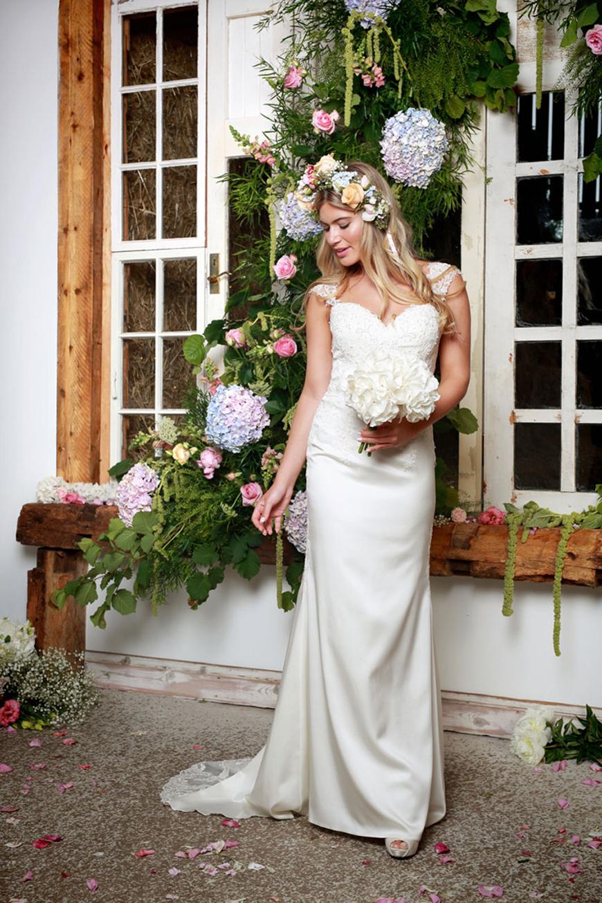 A Closer Look At Amanda Wyatt Wedding Dresses - Kathy | CHWV