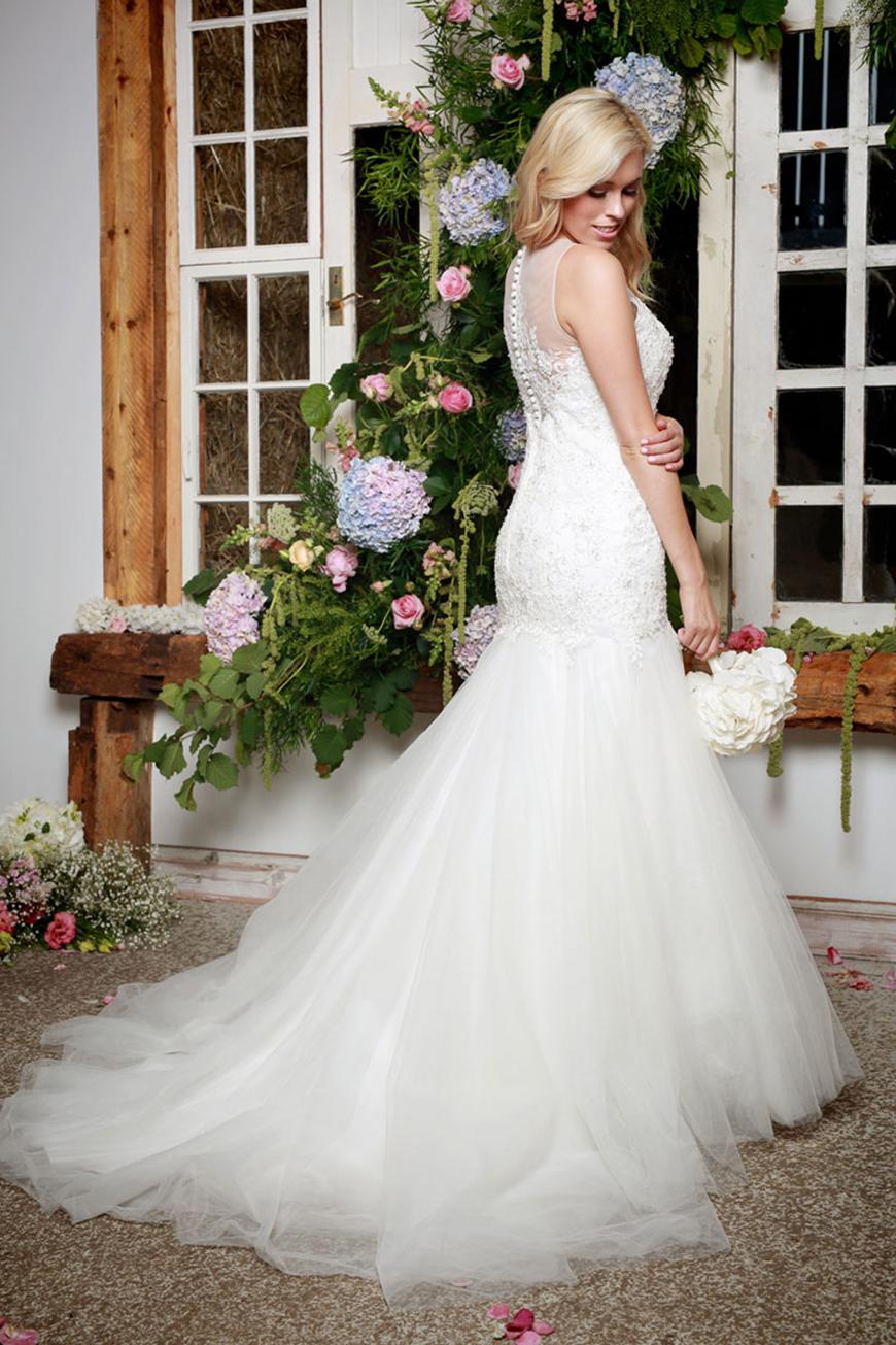 A Closer Look At Amanda Wyatt Wedding Dresses - Khloe | CHWV