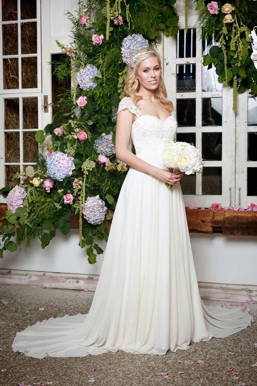 A Closer Look At Amanda Wyatt Wedding Dresses - Violette | CHWV
