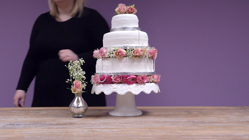 Amazing DIY Wedding Cakes For Under £100 - Jenny's tall flower decorated wedding cake | CHWV