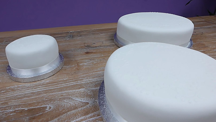Amazing DIY Wedding Cakes For Under £100 - The cakes | CHWV