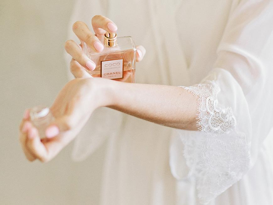 Wedding Traditions: 9 Amazing Ideas for Something New - Fragrance   CHWV