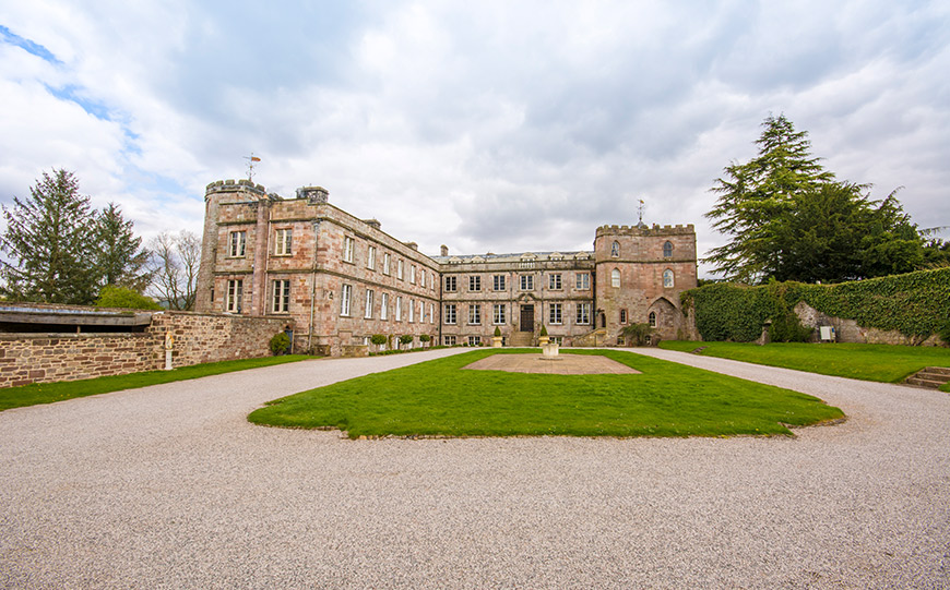 27 Intimate Wedding Venues That You Have To See - Appleby Castle | CHWV