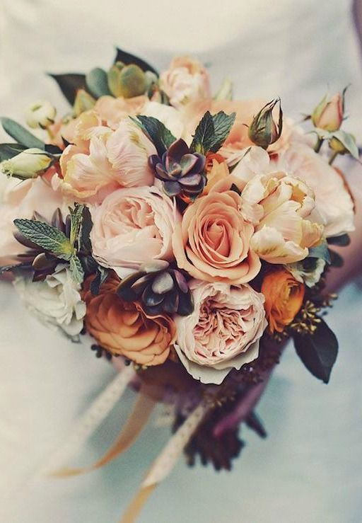 Picking the Perfect Autumn Wedding Bouquet - A sophisticated day | CHWV