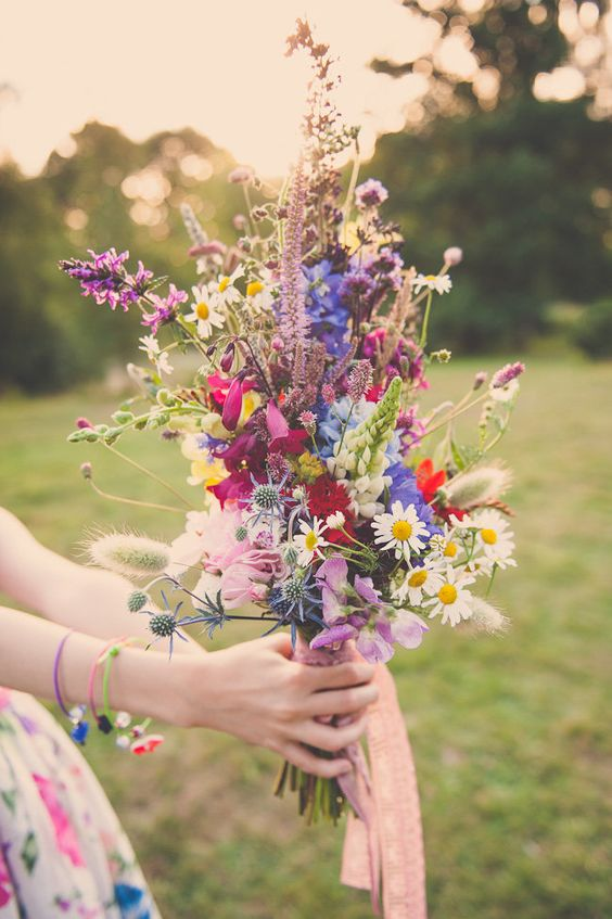 Picking the Perfect Autumn Wedding Bouquet - Go Boho | CHWV
