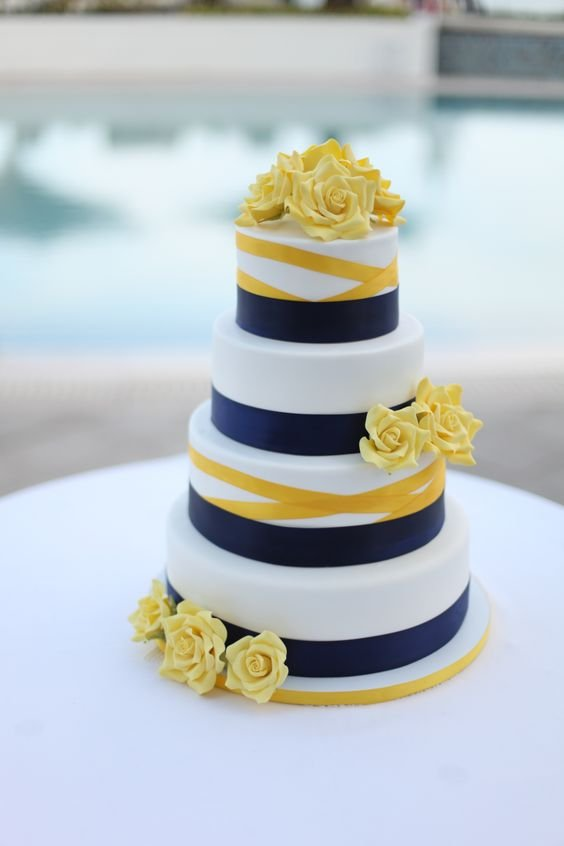 Autumnal Colour Schemes - Yellow: The Cake | CHWV