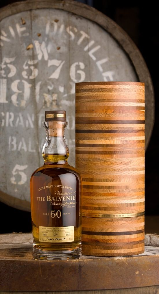 12 Awesome Gifts for the Groomsmen - A bottle of something special | CHWV