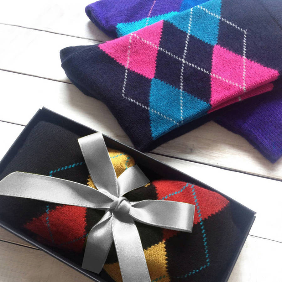 12 Awesome Gifts for the Groomsmen - Socks | CHWV