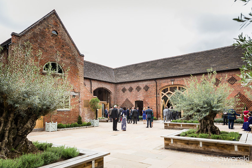 7 Barn Wedding Venues In The Cotswolds That You're Bound To Fall In Love With - Shustoke Farm Barns   CHWV