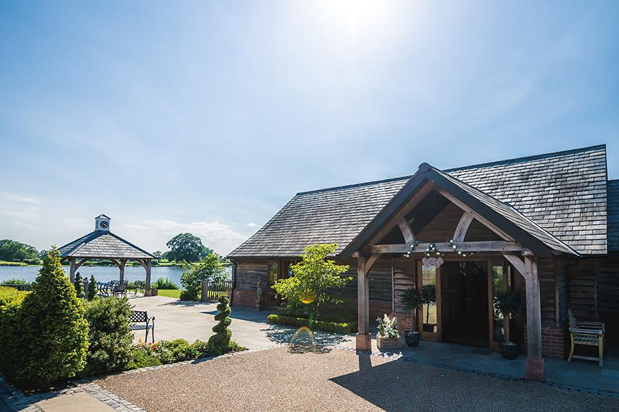 The Best Barn Wedding Venues in Cheshire - Sandhole Oak Barn | CHWV