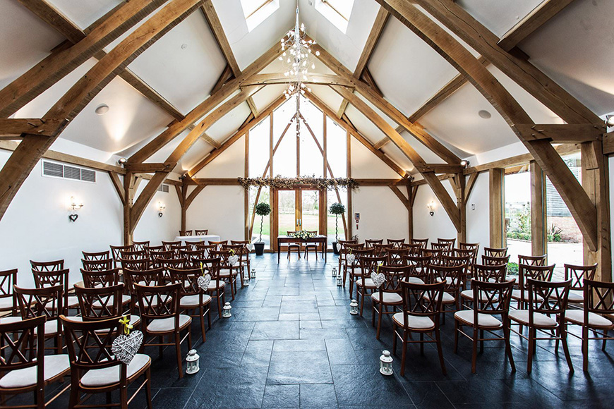 7 Barn Wedding Venues that are Perfect for an Autumn Wedding - Mythe Barn | CHWV