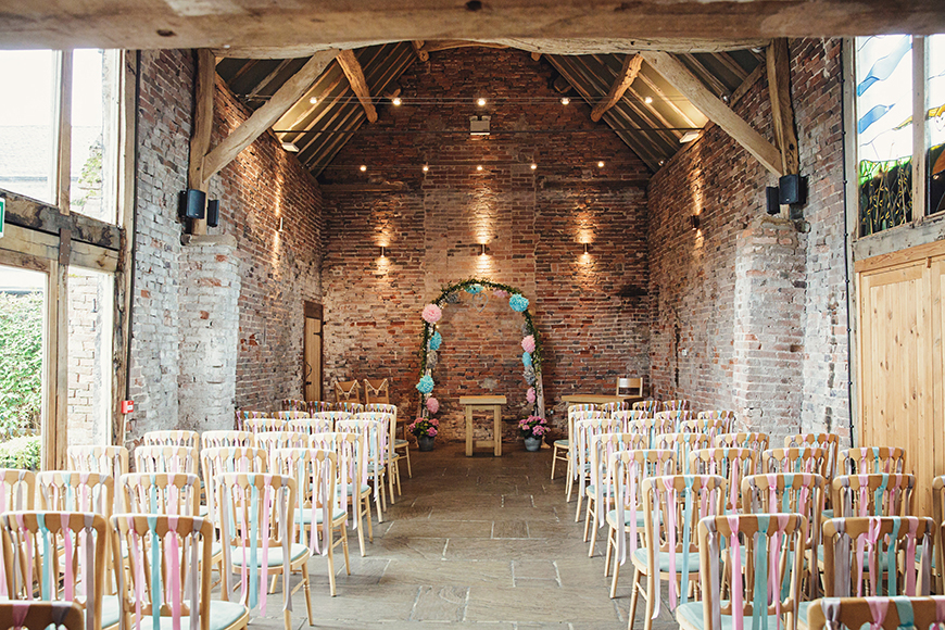 11 Beautiful Barn Wedding Venues - Packington Moor | CHWV