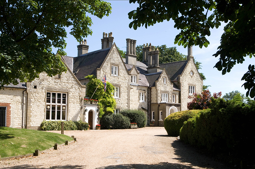 11 Beautiful Country House Venues For Summer Weddings - Langrish House | CHWV