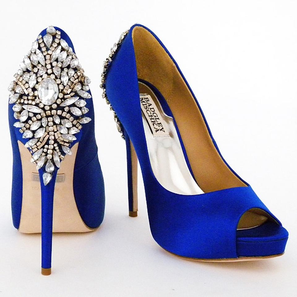 11 Beautiful Ideas for Something Blue - Shoes | CHWV