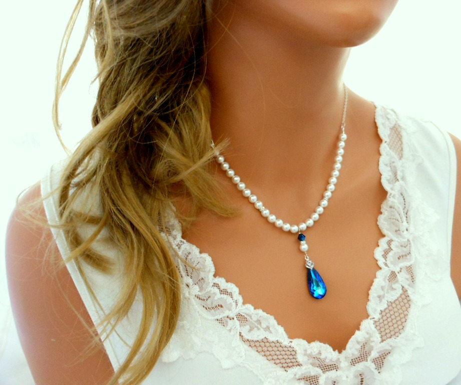 11 Beautiful Ideas for Something Blue - Necklace | CHWV