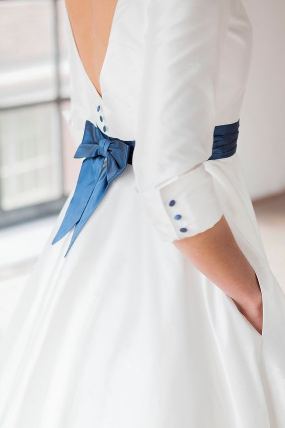 11 Beautiful Ideas for Something Blue - Sash | CHWV