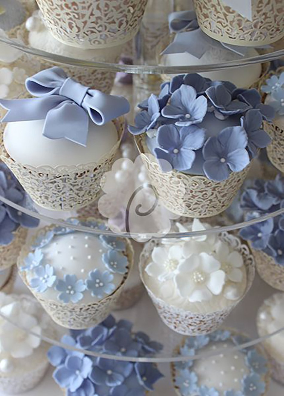 Wedding ideas by colour: blue wedding flowers