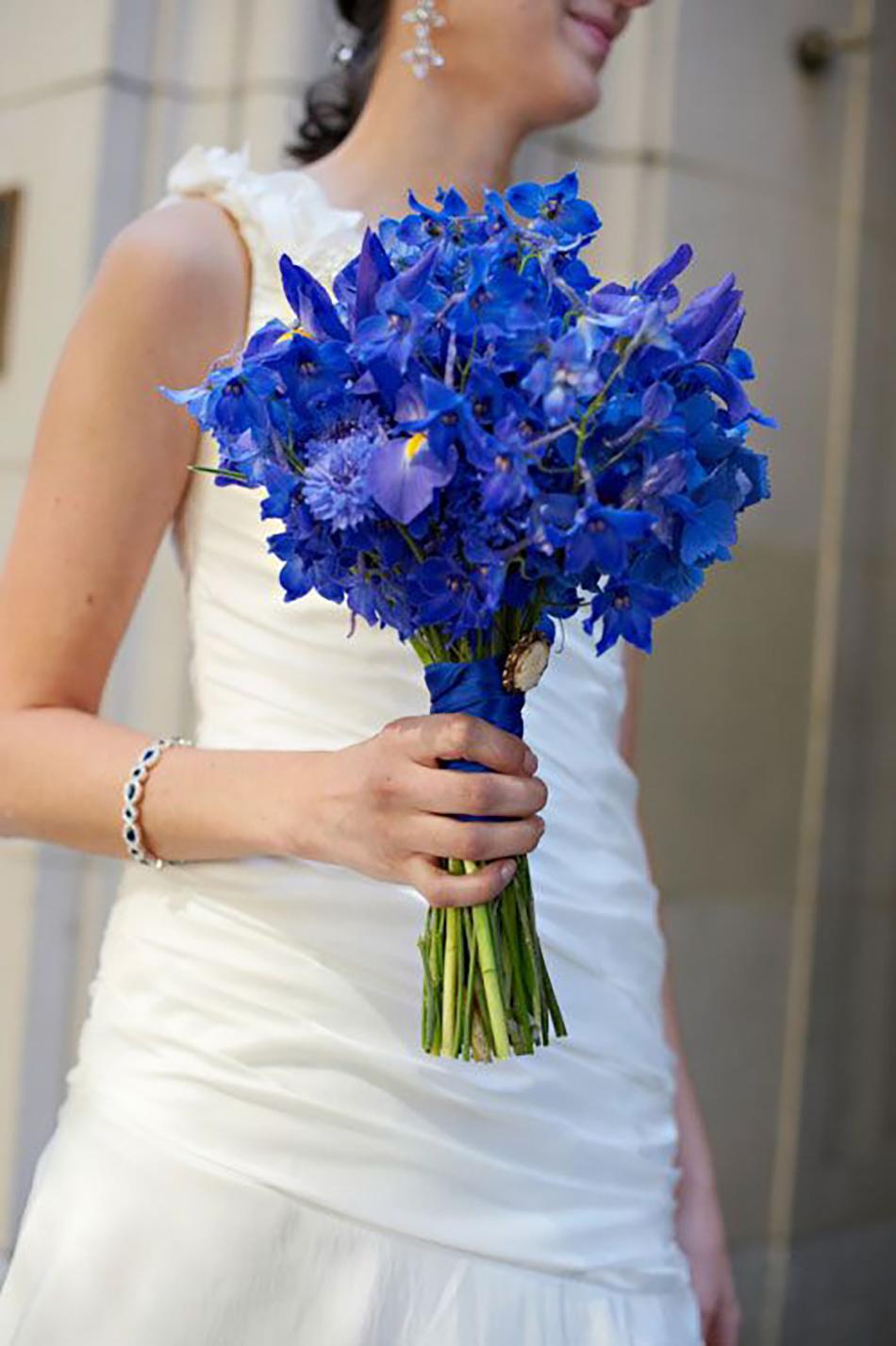 Blue Wedding Flowers | Wedding Ideas | CHWV