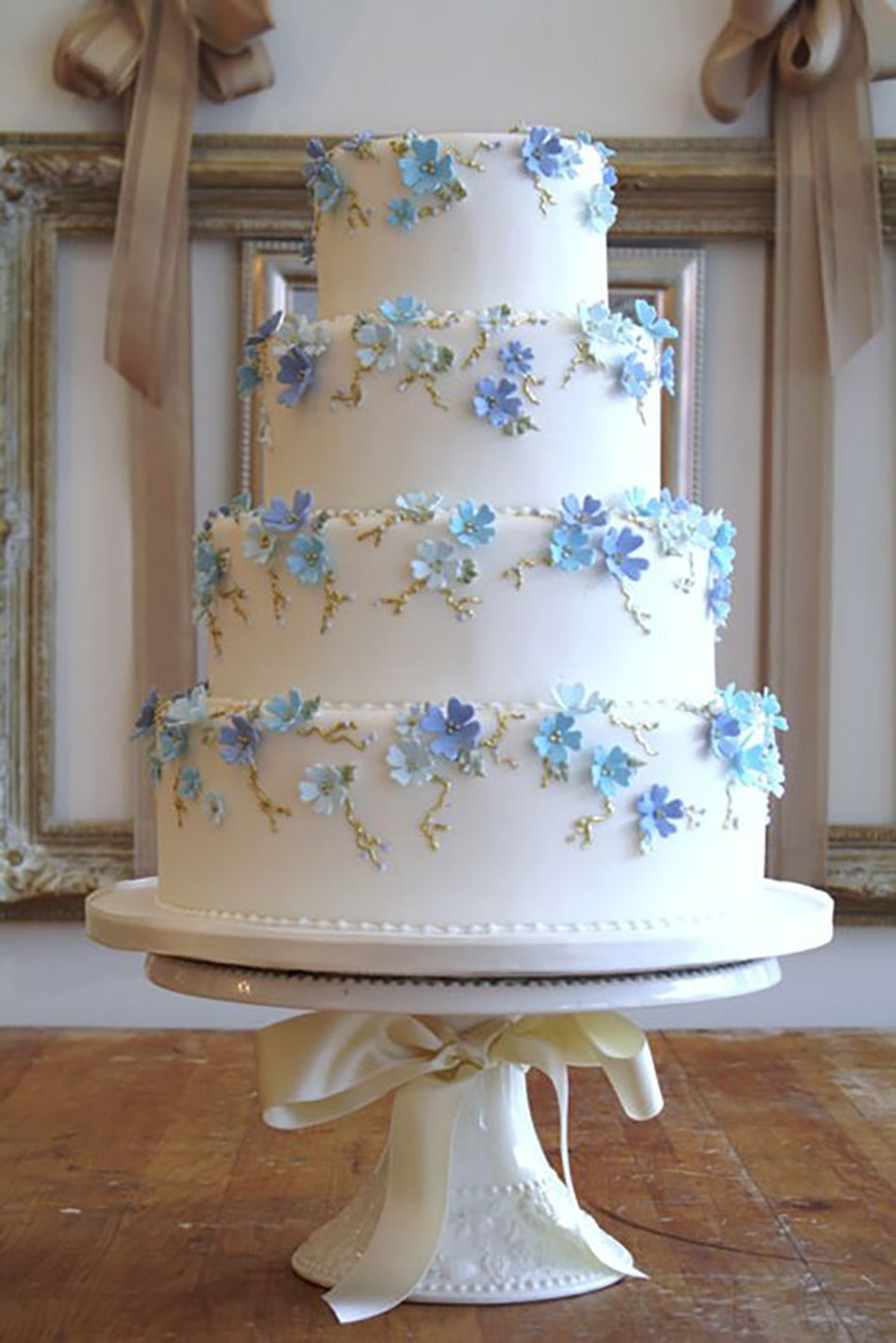 blue flower wedding cake blue wedding flowers wedding ideas chwv 11984