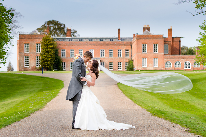 8 All-In-One Wedding Venues That Are Perfect For Summer - Braxted Park | CHWV