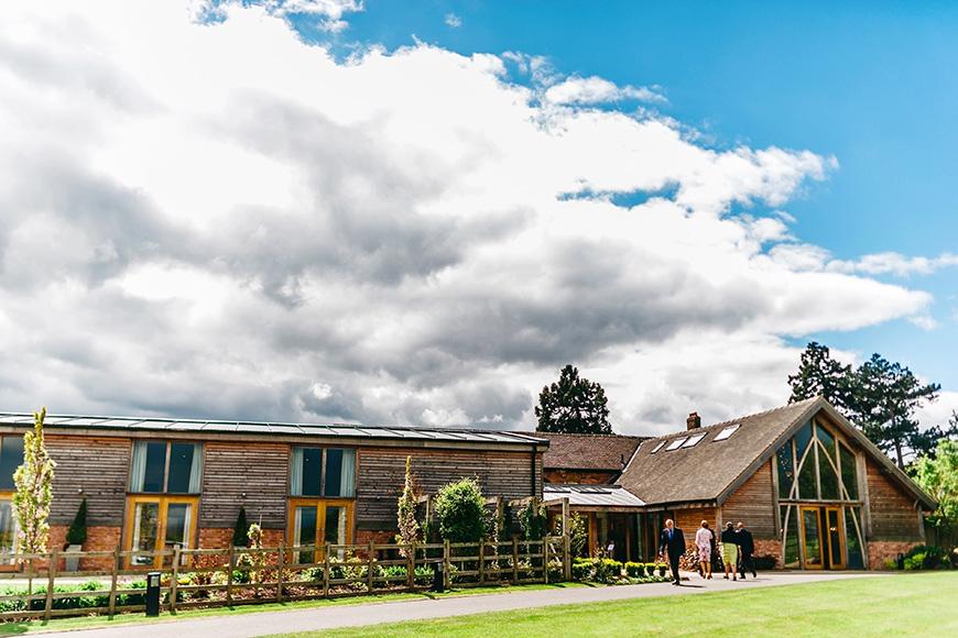 Wedding venue advice: how to choose your wedding venue - Mythe Barn | CHWV