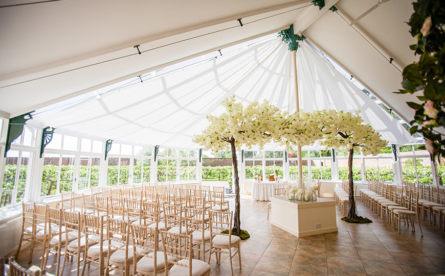 Choosing The Perfect Boho Wedding Venue - Combermere Abbey | CHWV